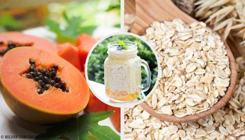 Смузи из папайи, яблока и овсянки, который улучшит пищеварение
