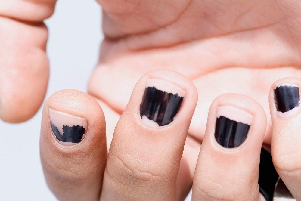 Снятие лака и ногти