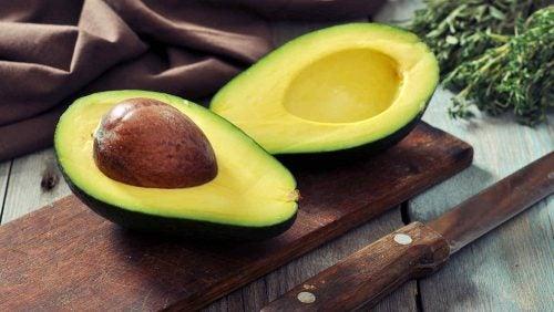 Авокадо и здоровые волосы