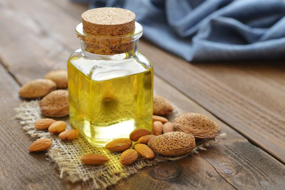 Миндальное масло и масло авокадо