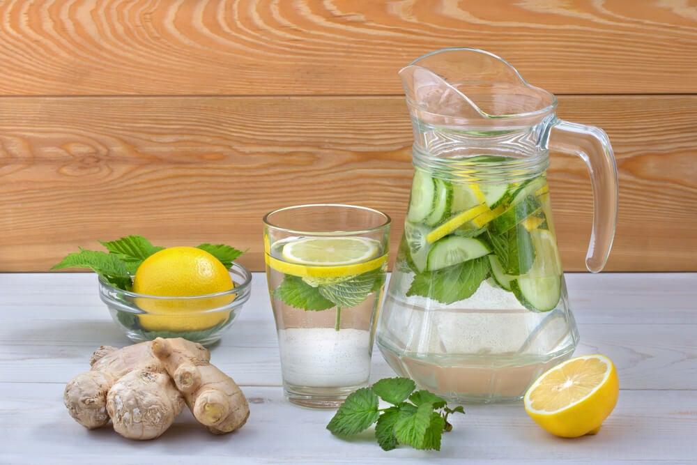 Очистить свой организм от избытка сахара с помощью лимонада