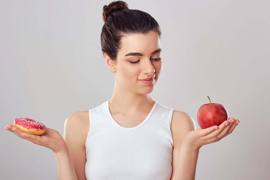 Пончик или яблоко