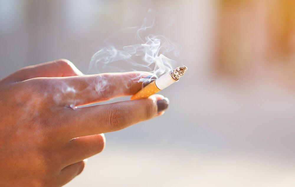 Воспаление десен и курение