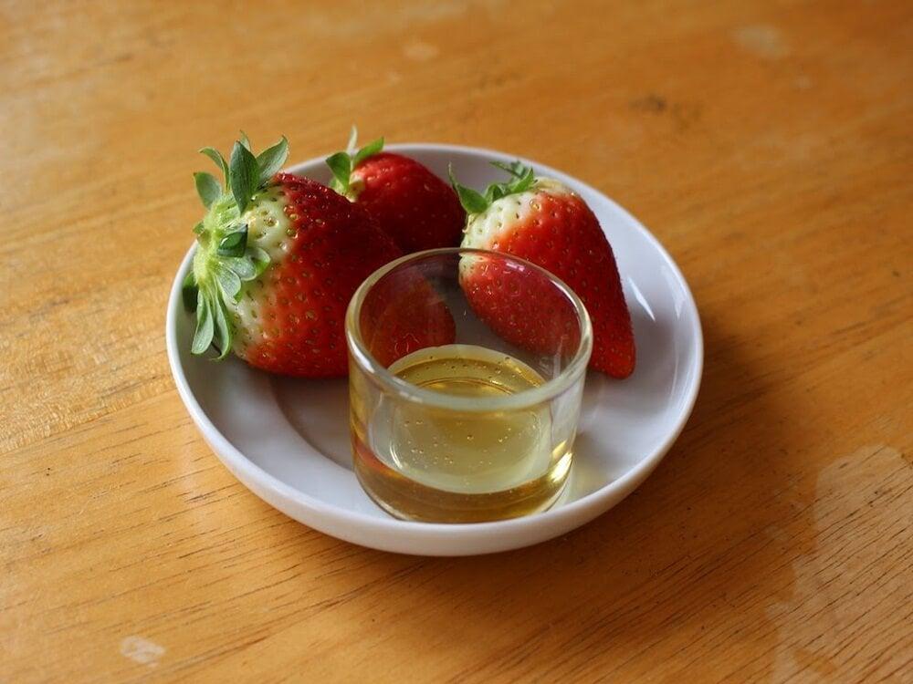 Оливковое масло и клубника