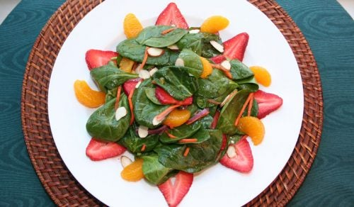 Мандарины и салаты