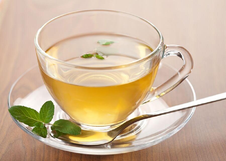 Настой зеленого чая и имбиря с лимоном
