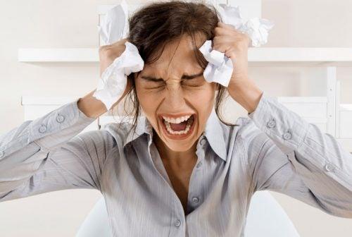 Выпадение волос может быть связано со стрессом