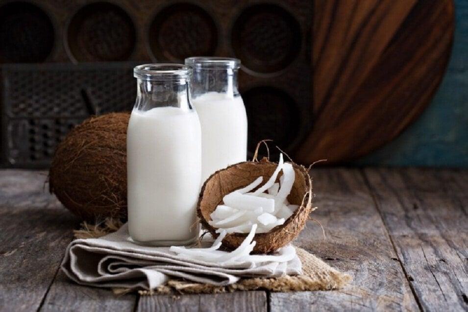 Кокосовое молоко и шампунь