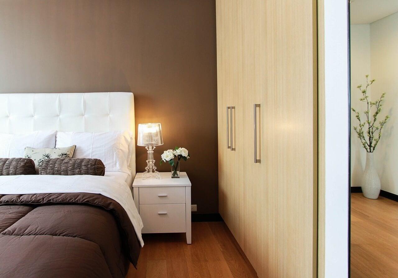 Как поддерживать чистоту в спальне