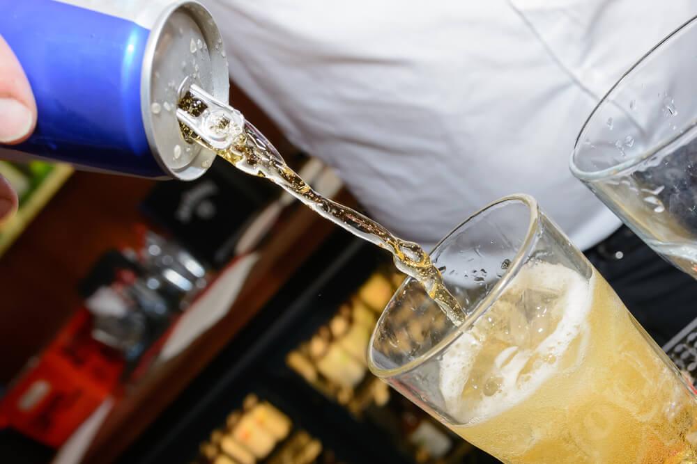 От энергетических напитков страдает желудок