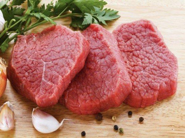 Ешьте меньше красного мяса во время менопаузы