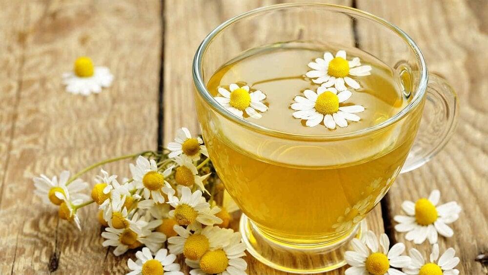 Ромашковый чай поможет очищать печень во время сна