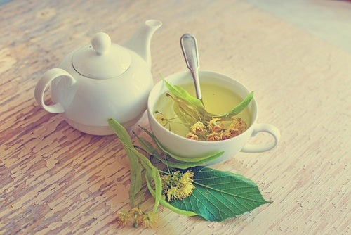 Чай из липы хорошее средство при нарушении кровообращения