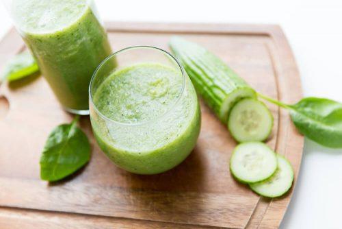 Огуречный сок помогает при задержке жидкости