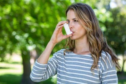 Астма: можно ли контролировать это заболевание и облегчить его симптомы?