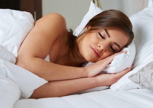 Гладкая и здоровая кожа и сон