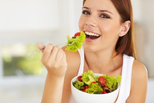Полезная еда и гладкая и здоровая кожа