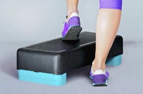 Степ платформа и колени