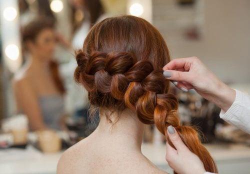 Хотите разнообразить образ? Попробуйте 3 простые прически с косами!