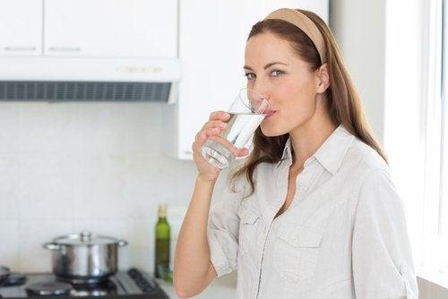 Пить больше воды полезно