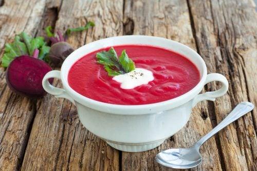 Свекольный суп выводит токсины