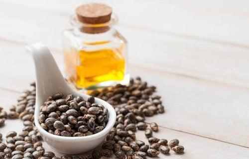 Рициновое масло и перец помогают убрать морщины на лбу