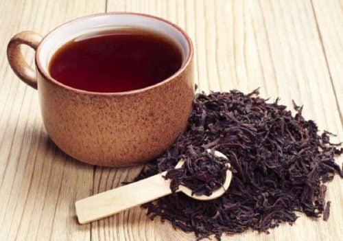 Черный чай и вросшие волосы