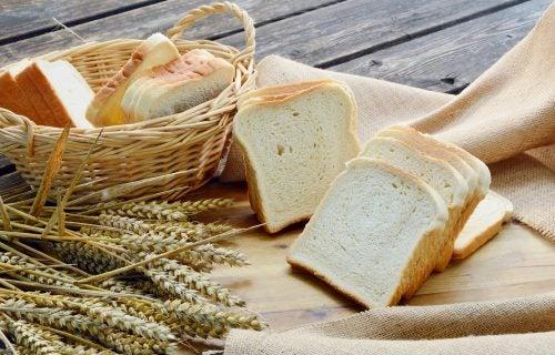 Какой хлеб наиболее полезен для здоровья и фигуры?