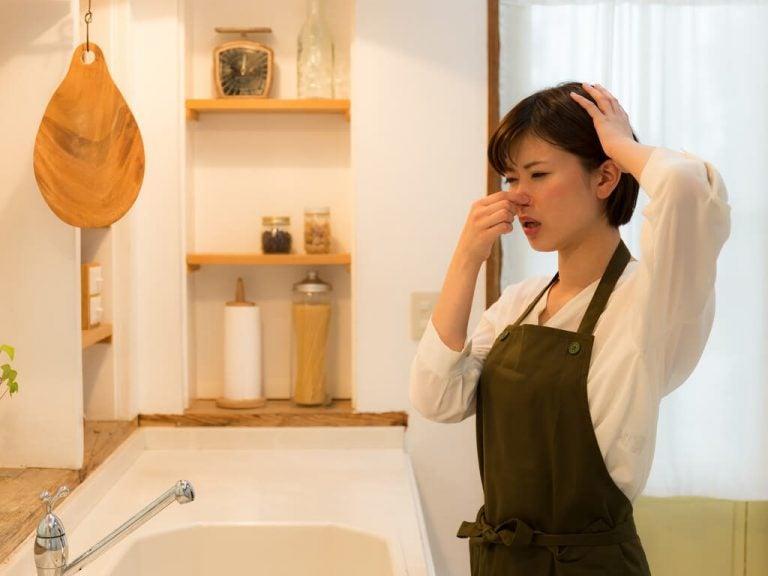 10 хитростей, которые помогут избавиться от неприятного запаха на кухне