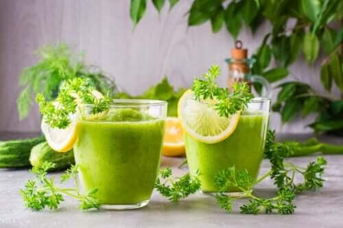 Как приготовить смузи из сельдерея и ананаса, чтобы похудеть?