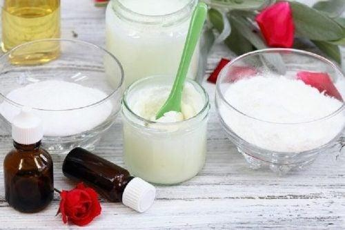 Сода с кокосовым маслом и белые угри