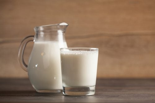 Средство из молока и редьки поможет избавиться от пятен на коже