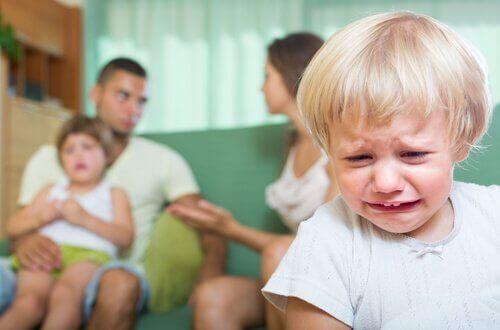 Ссоры на глазах у ребенка и их последствия