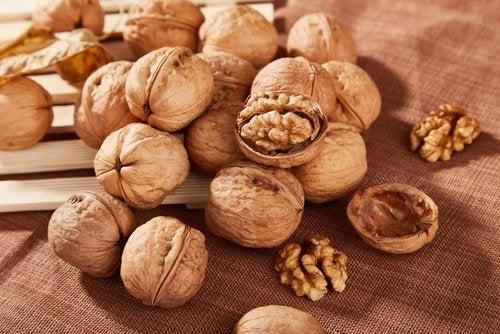 Грецкие орехи и любопытные факты