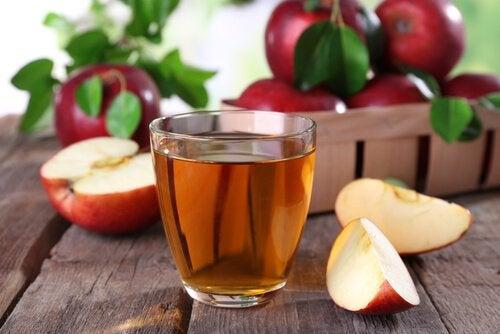 Неприятный запах ног и яблочный уксус