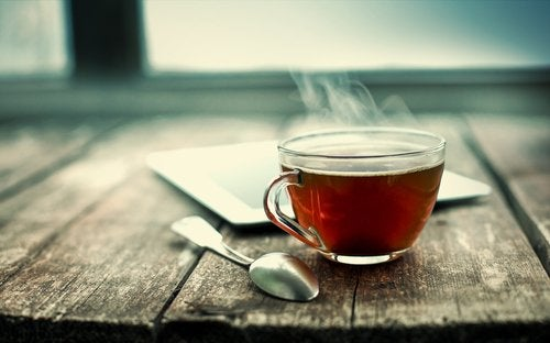 Неприятный запах ног и чёрный чай