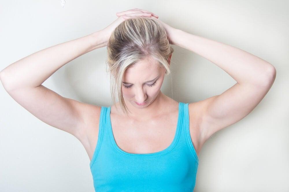 Как облегчить боли в шее