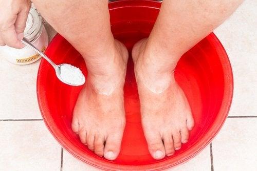 Ванночки с бикарбонатом натрия и безупречные ноги