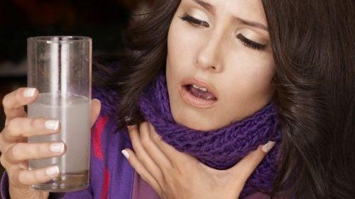 Боль в горле может быть симптомом рака горла