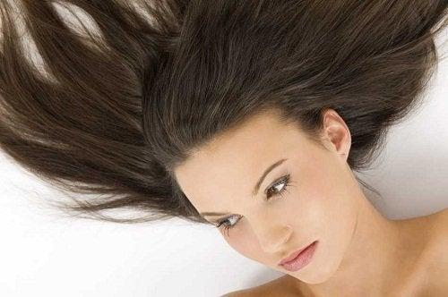 Как ускорить рост волос и реже мыть голову