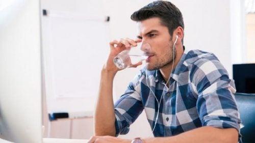 Постоянное желание пить поможет распознать диабет