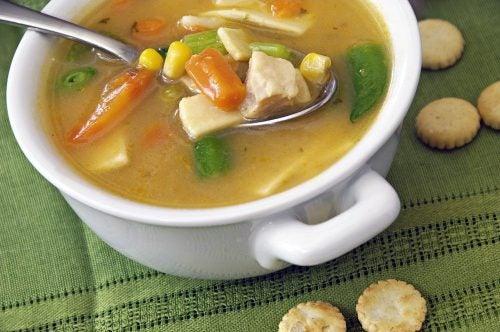Суп на хрящах содержит коллаген