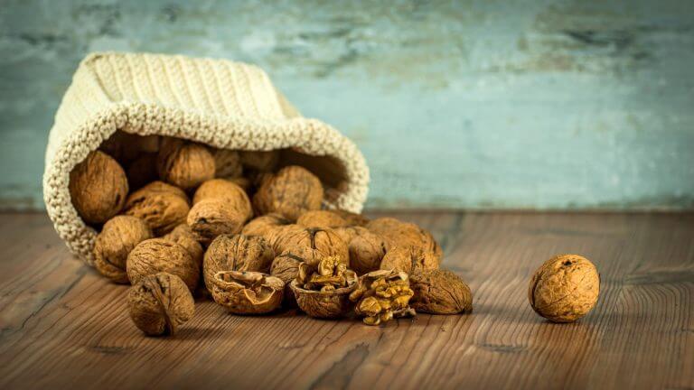 Чем полезны грецкие орехи для нашего желудка?