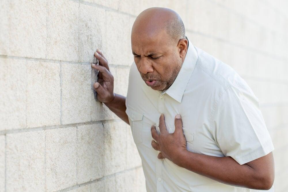 Как действовать при сердечном приступе или инфаркте миокарда