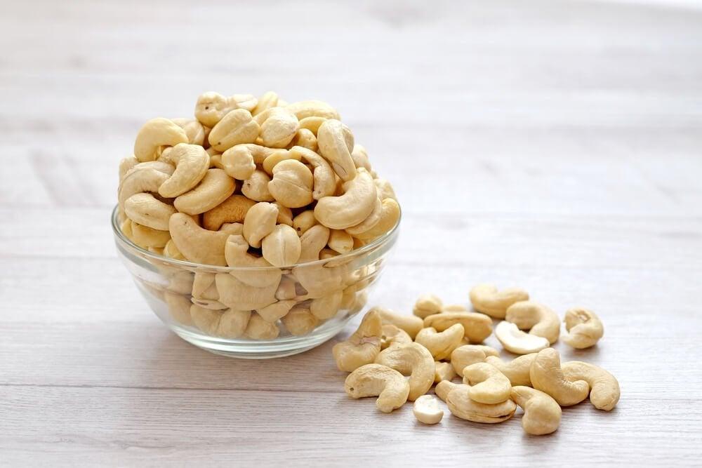 Кешью и орехи
