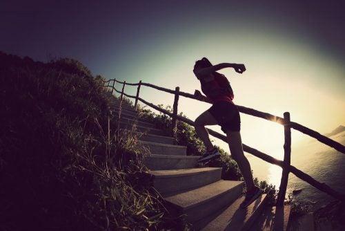 Бег по ступеням и стройные ноги