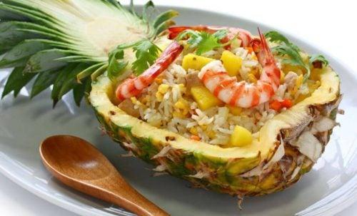 Салат из ананаса вылечит запоры