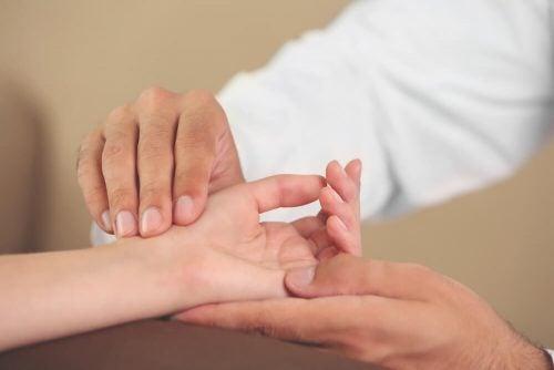 Какие упражнения для рук помогают предотвратить заболевания
