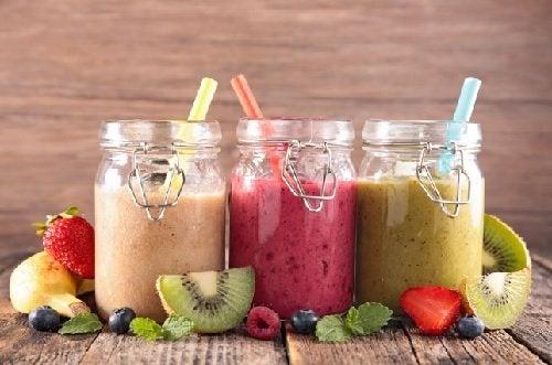 Смузи для спортсменов: 7 питательных и вкусных рецептов