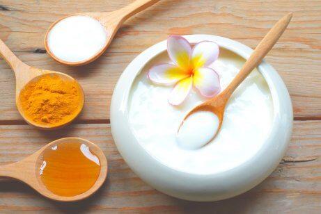 Натуральный йогурт и мед - увлажнение кожи